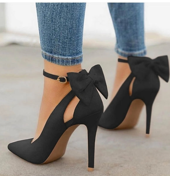 Black Pump with Cute Bow Pointed Toe Buckle Strap