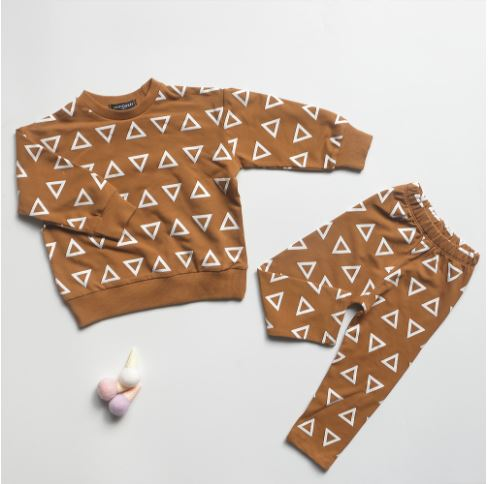 Camel Triangle Sweatshirt Set
