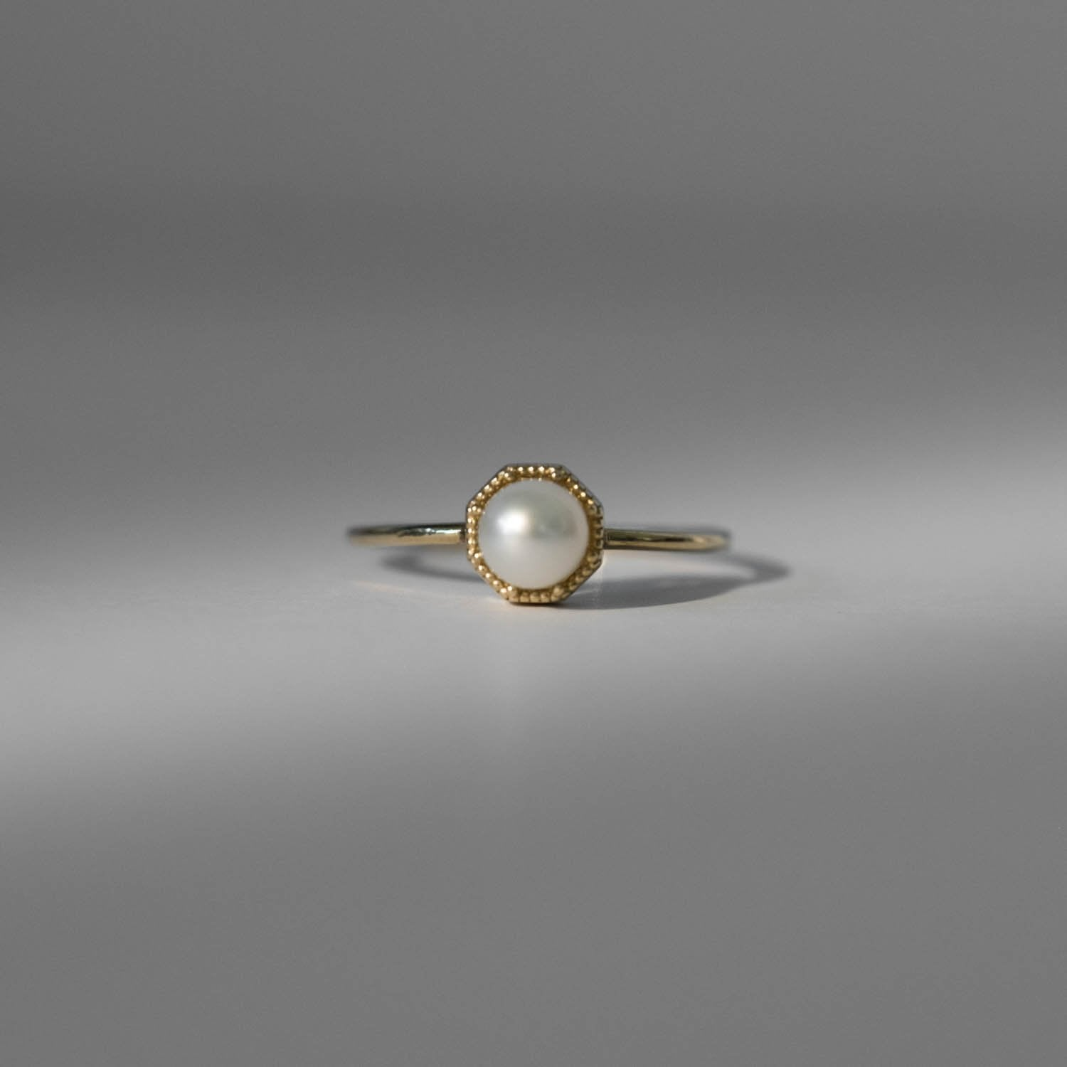 Crown Bezel Pearl Ring