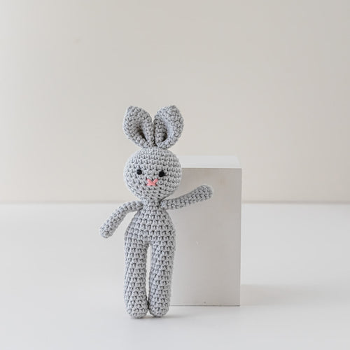 Soft Crochet Bunny in Grey | Leo loves Coco