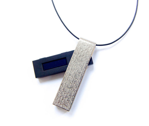 omura cryptocurrency hardware wallet pendant necklace