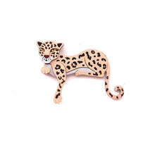 Load image into Gallery viewer, Leopard Brooch