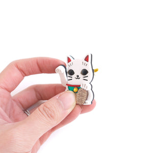 Lucky Cat Brooch (Playable)