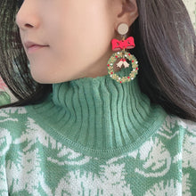 Load image into Gallery viewer, Xmas Wreath Earrings