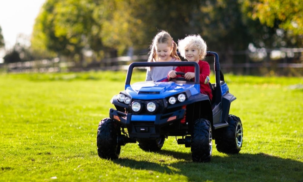 How the Parental Remote Works on a Kids Electric Car