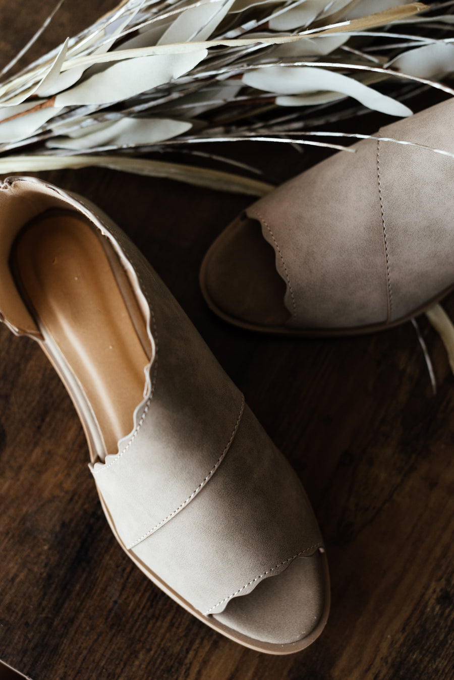Sting-31 Flats - Taupe