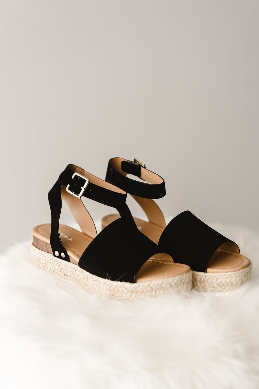 Topic-S Sandals - Black