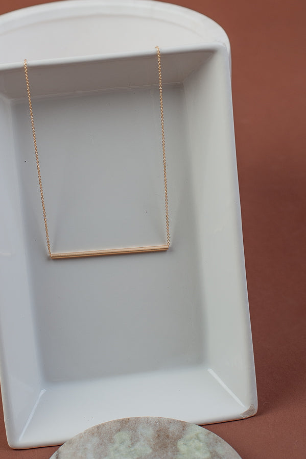 Lizzy Bar Necklace