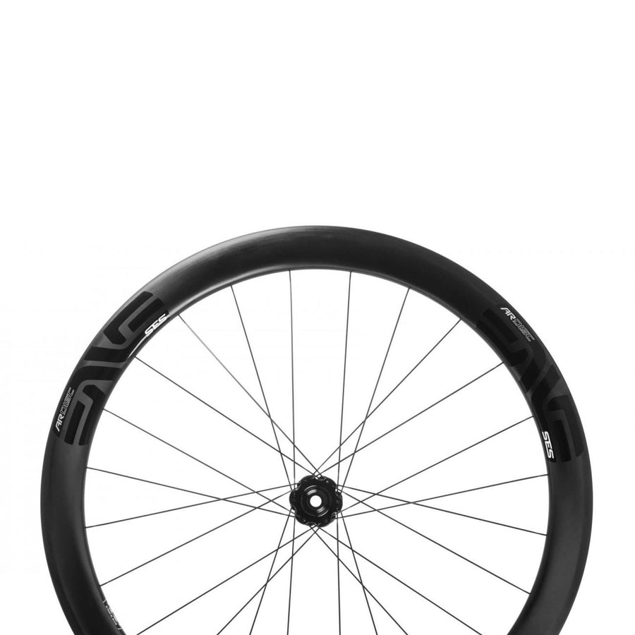 enve-ses-4-5-all-road-carbon-clincher-disc-brake-wheelset-closeup