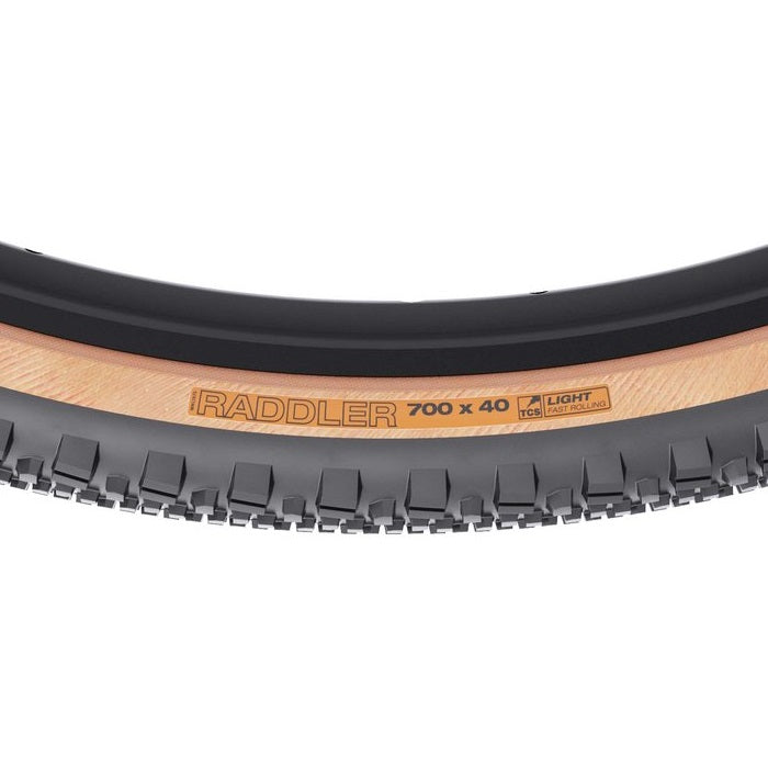 wtb-raddler-tcs-light-fast-rolling-clincher-tyre-700-x-40mm-tanwall-closeup