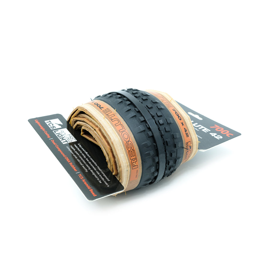 wtb-resolute-tcs-light-fast-rolling-clincher-tyre-700-x-42mm-tanwall-side