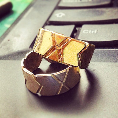Inbar Shapira Hexagon Line Ring