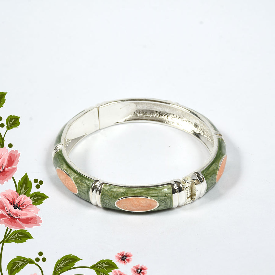 WOMEN MODERN CLUTCH BANGLE