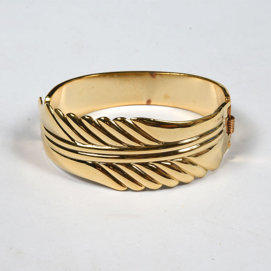 Women Striping Clutch Bangle Bracelet