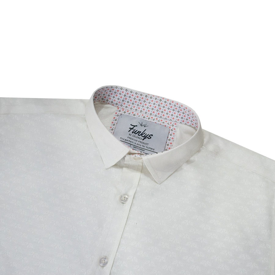 Funkys White Self Pattern B-Quality Casual Shirt