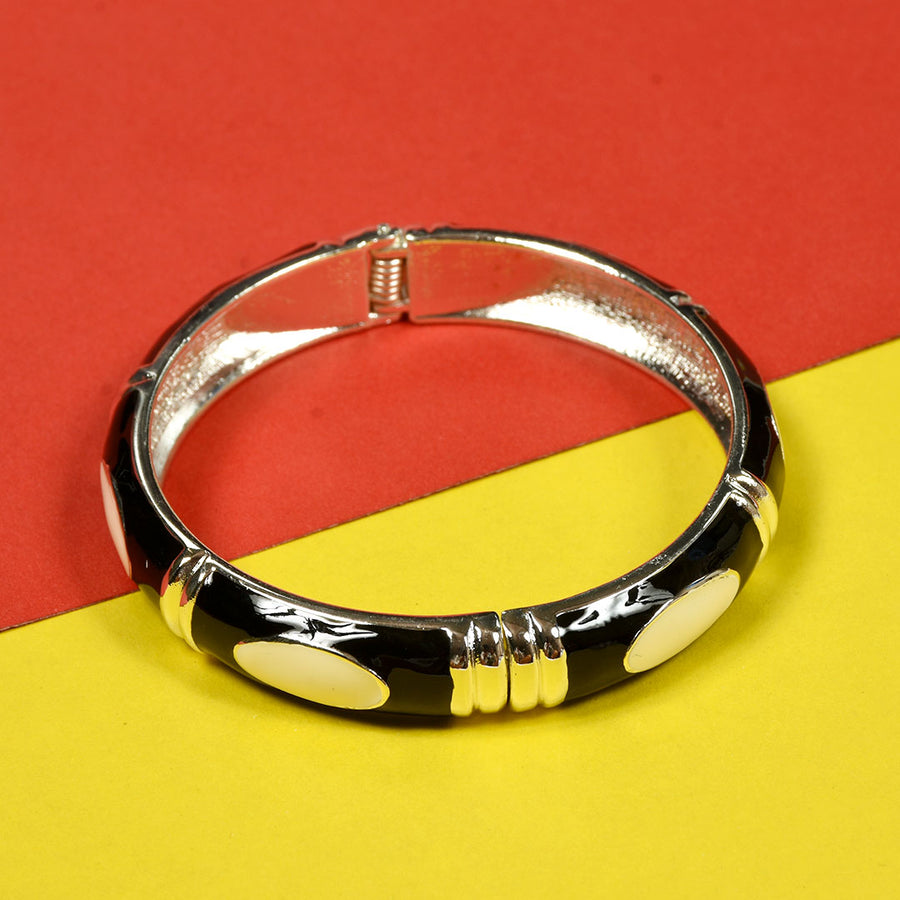 Women Modern Design Clutch Bangle