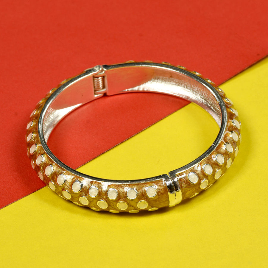 WOMEN Attractive DESIGNER CLUTCH BANGLE