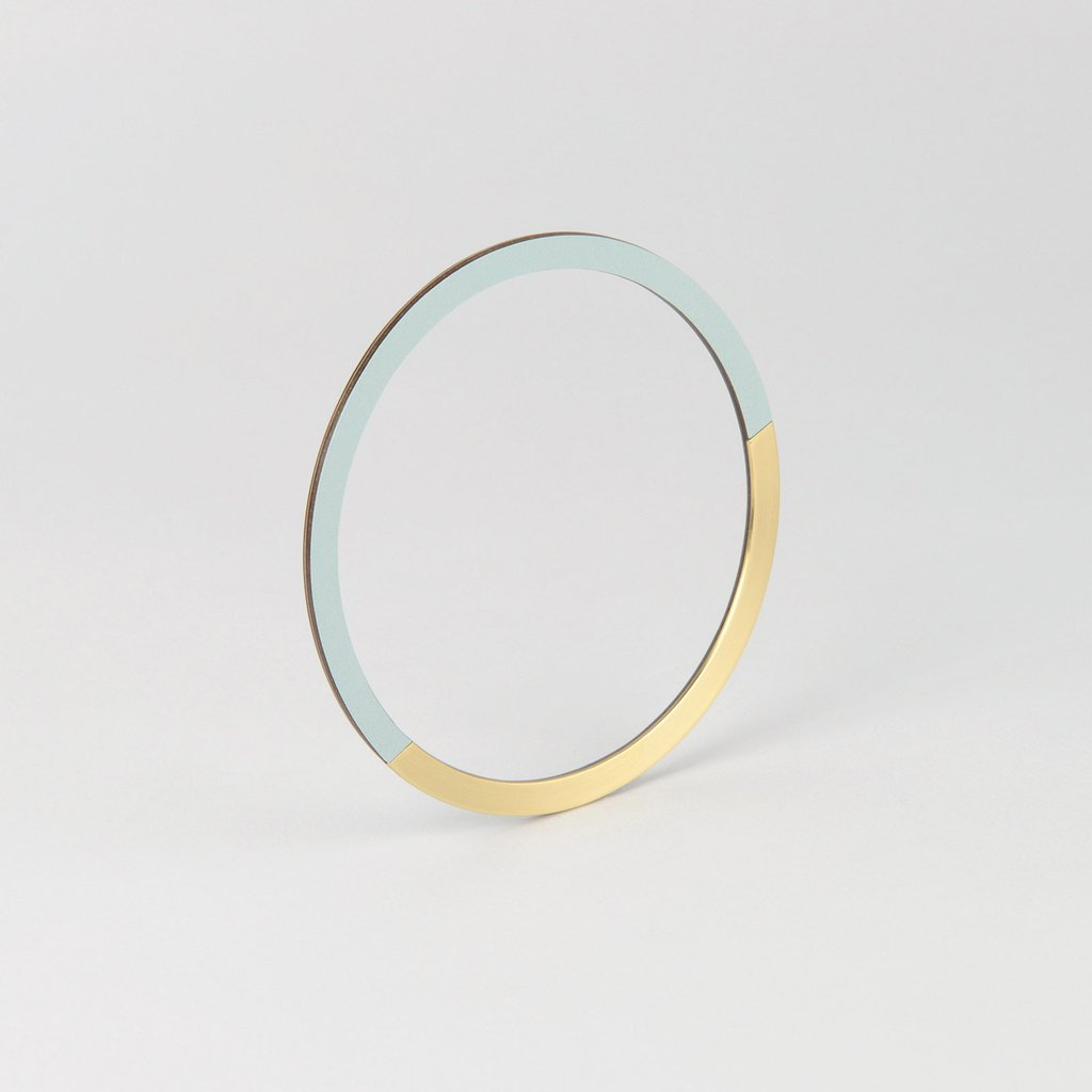 Form Bangle Circle Brass/Ice - HOWKAPOW