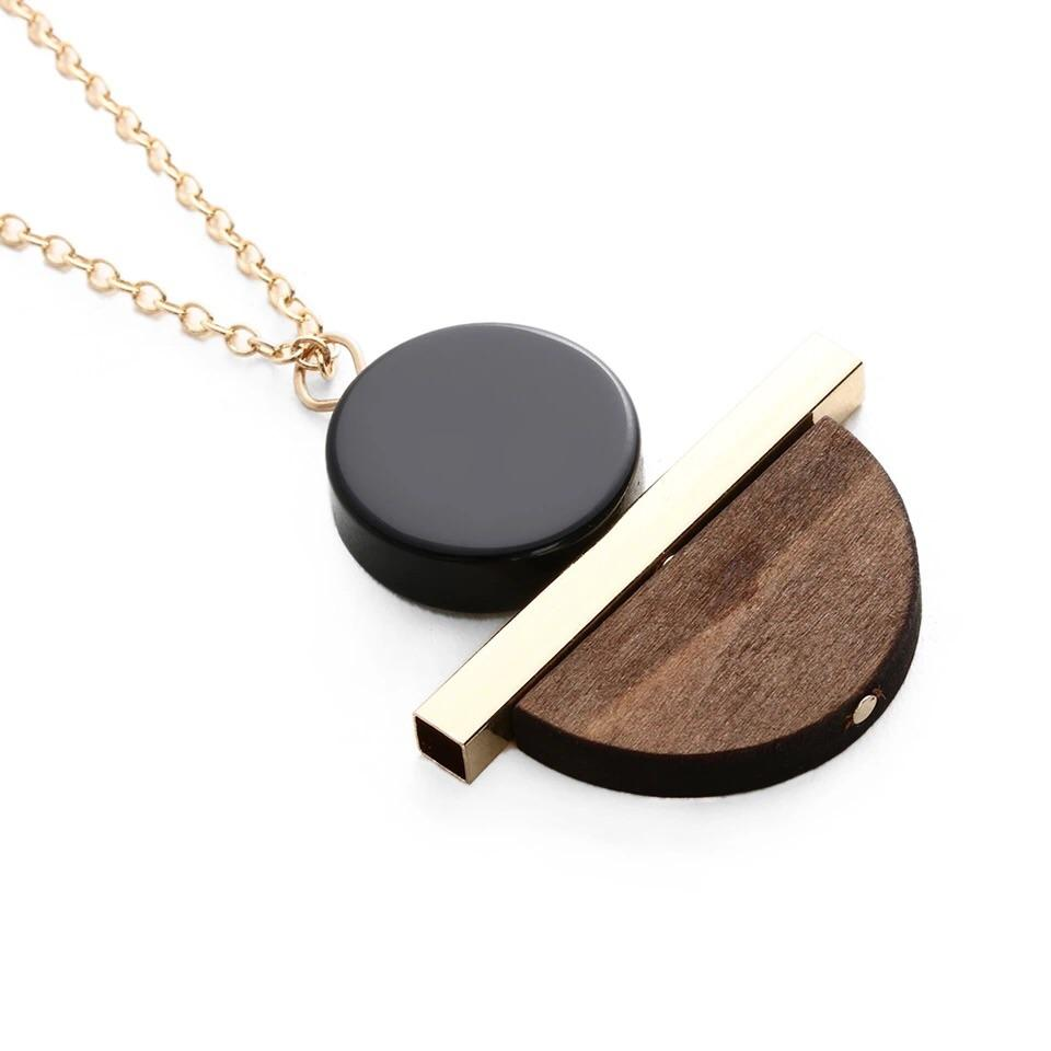 Ocean Luxe:Gold and Wood Geometric Necklace
