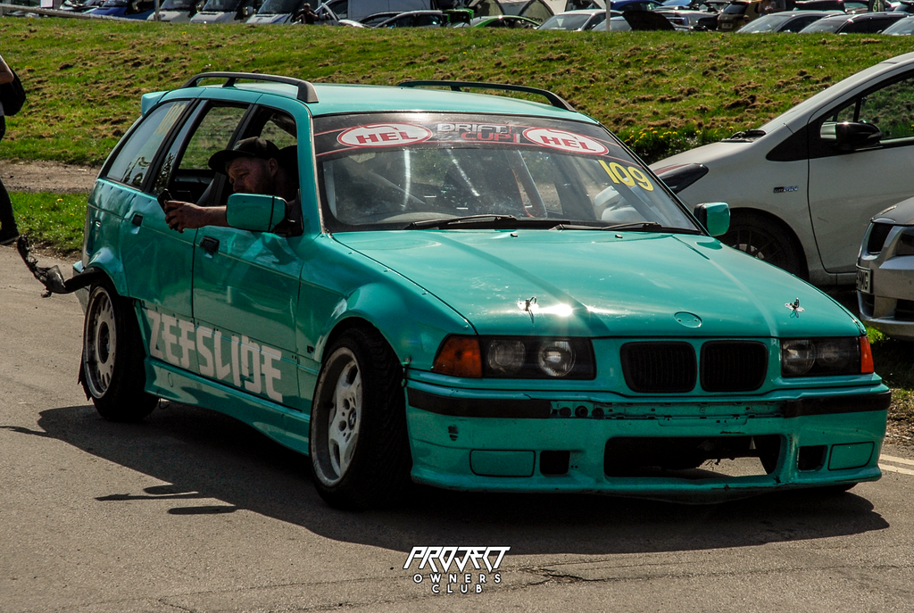 BMW drift car drifting e36 wagon shredded tires mint green modified nationals 2019