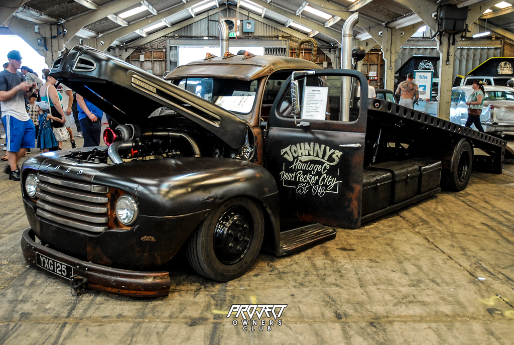 ford pickup tow towing retro classic 1940's loader