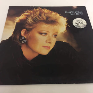 Elaine Paige : Love Hurts