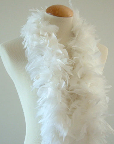 45 Grams White Chandelle Feather Boa