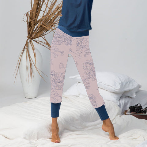 model wearing organic cotton lounge wear in blush and navy