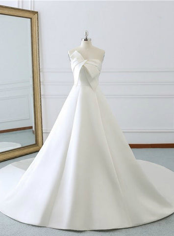 Lovely Ivory White Strapless Lotus Leaf Butterfly Satin Wedding Dress