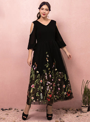 Plus Size Black V-neck Ankle Long Sleeve Embroidery Prom Dress