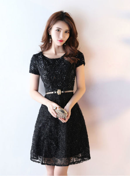 Queenly Short Prom Dresses Black Cocktail Dresses With Cap Sleeves