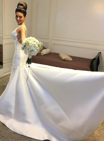 Gorgeous Backless Satin Mermaid Wedding Dress with Long Train