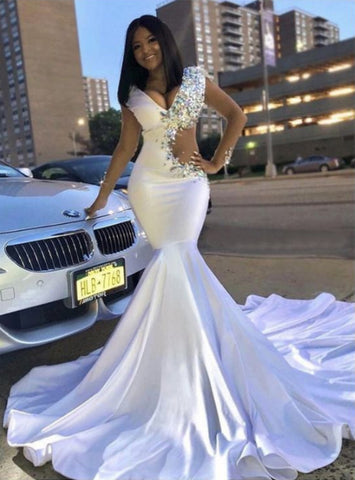 Shop Cut Out Trumpet/Mermaid White V-neck With Rhinestone Long Prom Dresses