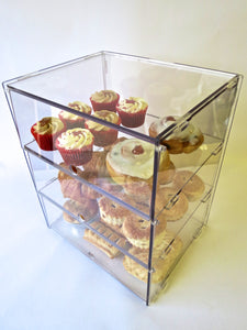 Display case ideal for cakes, doughnuts pastries etc. 3 sizes & 4 Shelf options