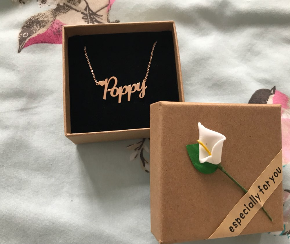 "custom name necklace packaging example, small gift box with message ""especially for you"""