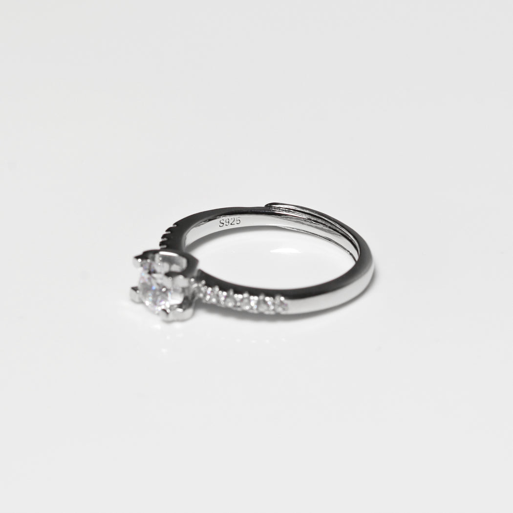 Round 0.5 Carat Heart Prong Ring