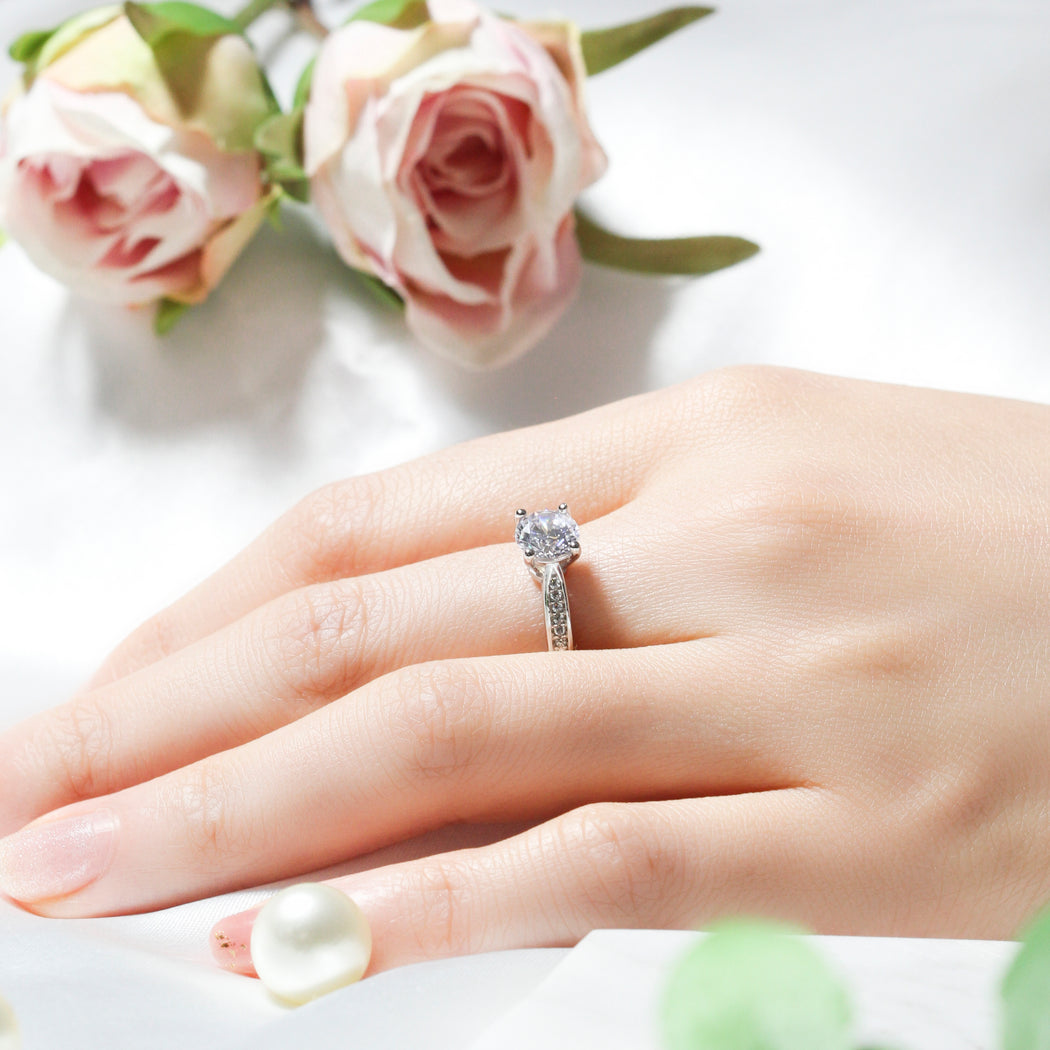 Simple 1 Carat Round Cut Ring