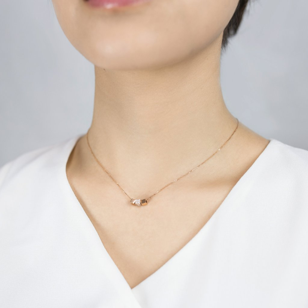 18K Rose Gold Three Cubes Necklace