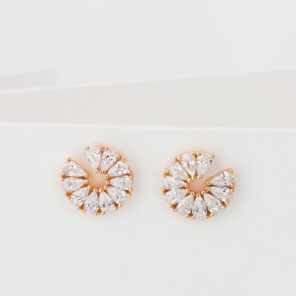Fan-Shaped Diamonds Earrings