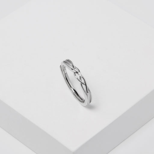 Dainty Twist Plain Ring