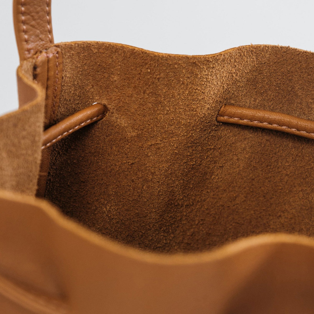 Caramel Leather Drawstring Bucket Bag Interior - BAGGU