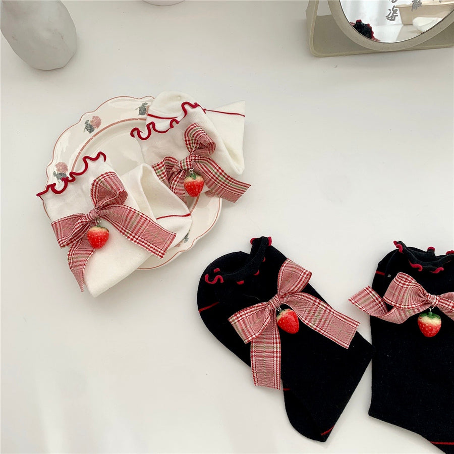Peach Me Strawberry Sisters Socks - Peiliee Shop