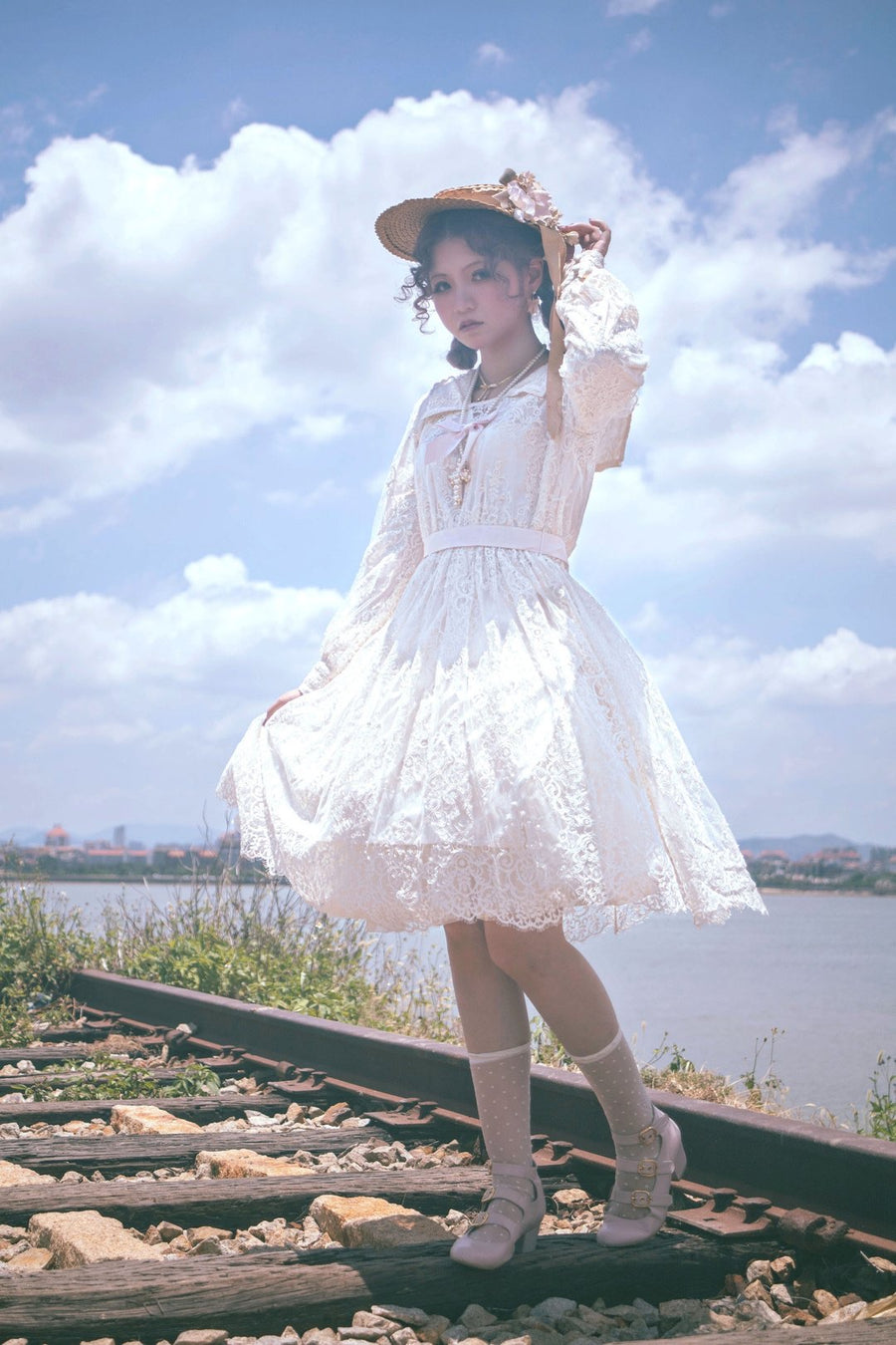 Premium Selected Brand [Pre-order] 'The Stray Canaries' Lace Sailor OP Le Flacon - Peiliee Shop