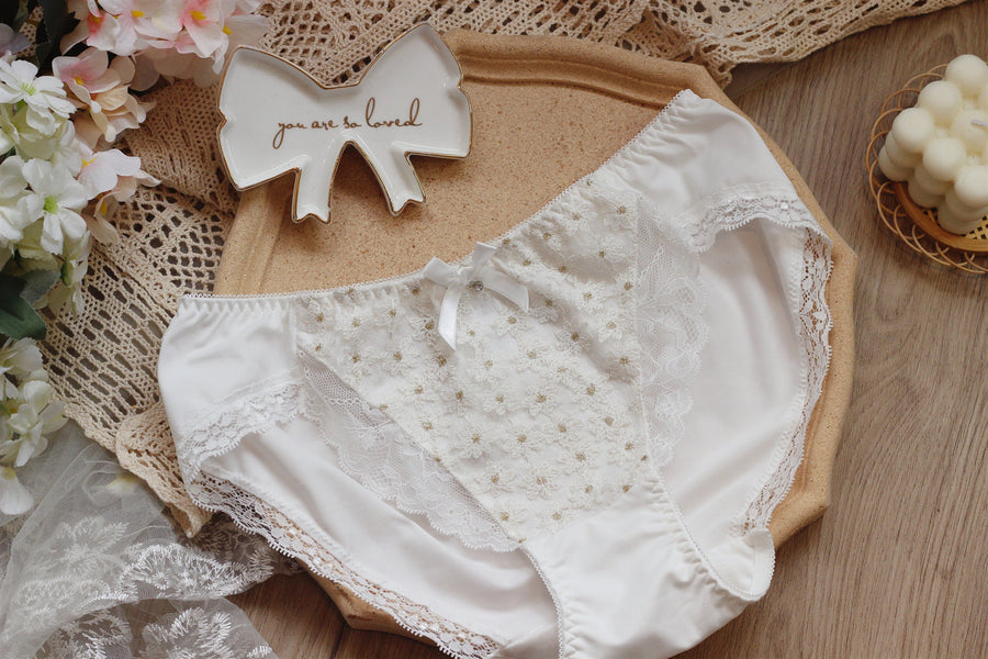 [Up to 100G] Snow Daisy Bra Set With Plus Sizes - Peiliee Shop