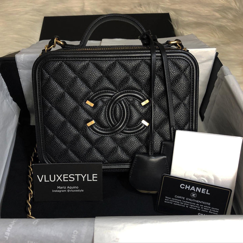 Chanel Vanity Case Medium Quilted Caviar with gold hardware