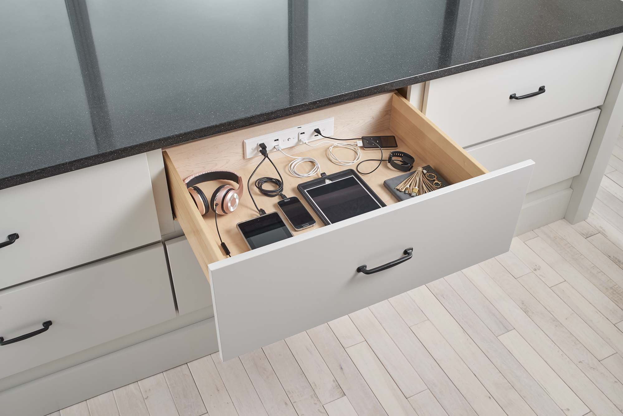 Docking Drawer Blade Cabinets and Drawers