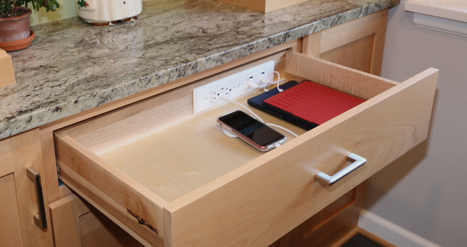 Why Choose Docking Drawer Outlets?
