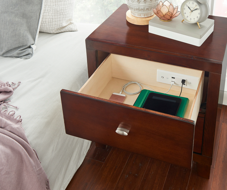 Docking Drawer Blade In-drawer Charging Outlet in Nightstand