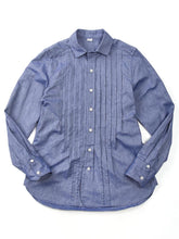 Oxford Pintuck Shirt in Blue Chambray