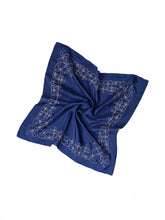 Code Cotton Embroidery Bandana Flower in dark ai